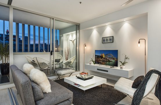 CHIC 2BR FURN APARTMENT WITH GREAT VIEWS