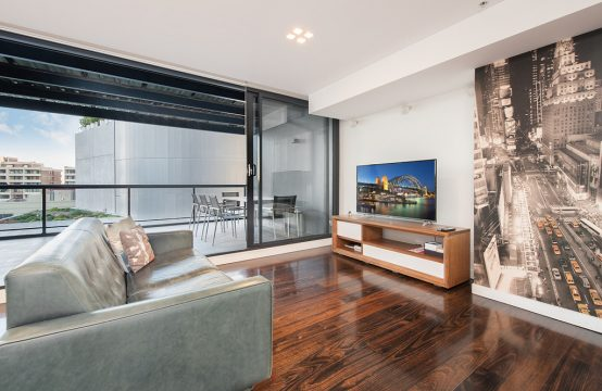 Sleek Split Level 2 bed apartment Surry Hills