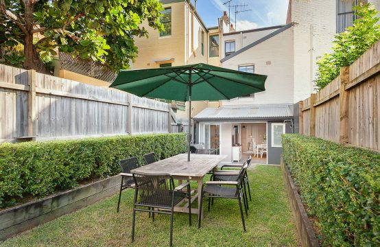 Paddington Family Terrace With Garden.