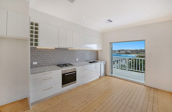 North Bondi 2 Bed With Beach Views and Parking