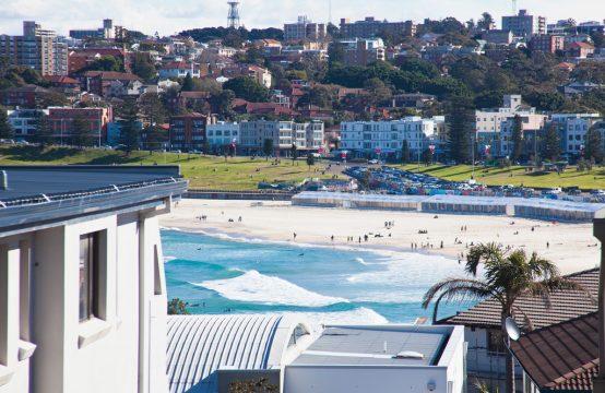 Spacious Bondi Beach Apartment