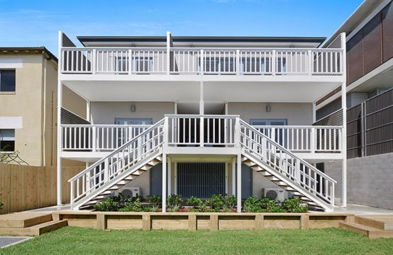 North Bondi 2 Bed With Beach Views and Parking *deposit received*