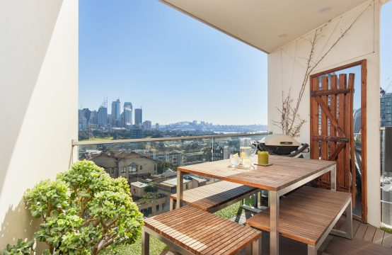 Stunning 1BR Furn City Abode Great Views