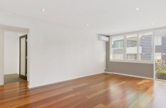 Bright and Spacious 2 Bed in Wollstonecraft**DEPOSIT RECEIVED**