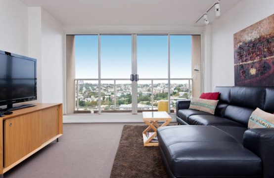 Renovated, Fully Furnished 1 Bed – The Elan